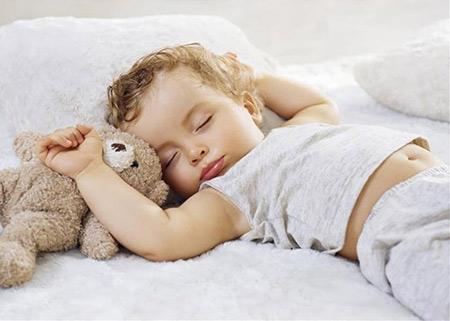 نوزاد هفت ماهه,مراقبتهای لازم درمورد نوزاد هفت ماهه,دانستیهای نوزاد هفت ماهه